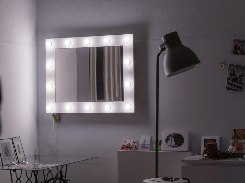 studio-fotograficzne-lustro-z-oświetleniem-makeup-ola-szczygieł-fotografia-lubliniec